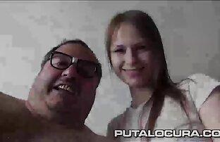 Boneca asiática A solo, videos de sexo selvagem entre mulheres a masturbar-se, em 4K.