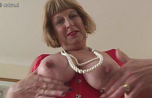 Mamas grandes Ruivas masturbam-se a sexo selvagem em grupo Meter os dedos na rata.