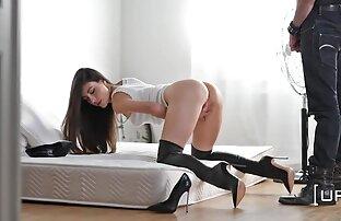 Lésbicas sensuais com mamas titânicas a masturbar-se juntas sexo selvagem ao vivo pela primeira vez!