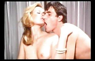 A Amazing gosta pornô selvagem grátis da sua primeira sessão erótica em público.